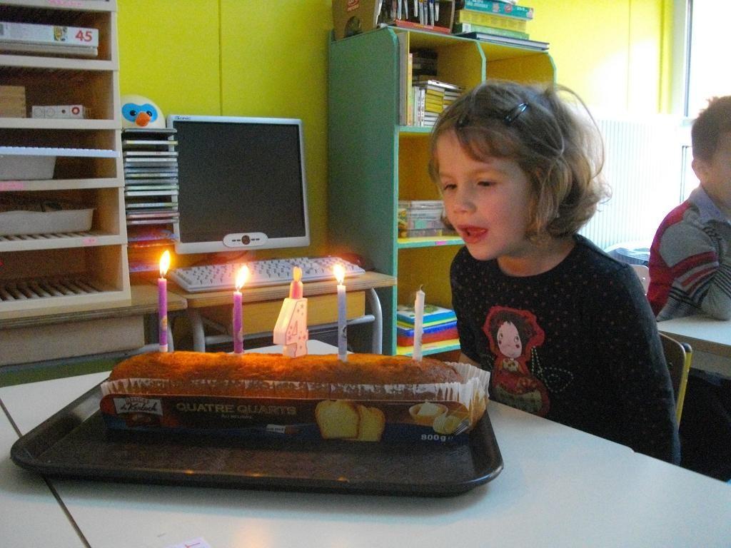 en-maternelle-nous-ftons-les-anniversaires-des-lves.jpg