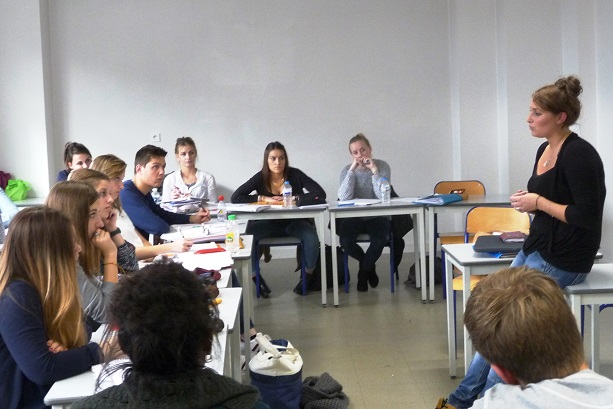 intervention-de-lisa-en-classe-prpa-carrires-du-social.JPG